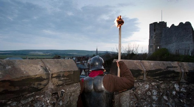By the afternoon of 14th May 1264, the town was ablaze and the King's knights valiantly fought from the walls of Lewes Castle to hold off the rebels.  Reproduction courtesy of Sussex Past.